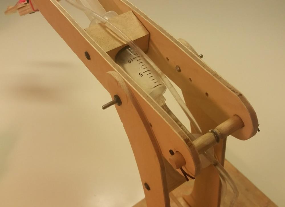 Engineering Mechanical Arm Syringe : Homemade syringe actuated mechanical arm