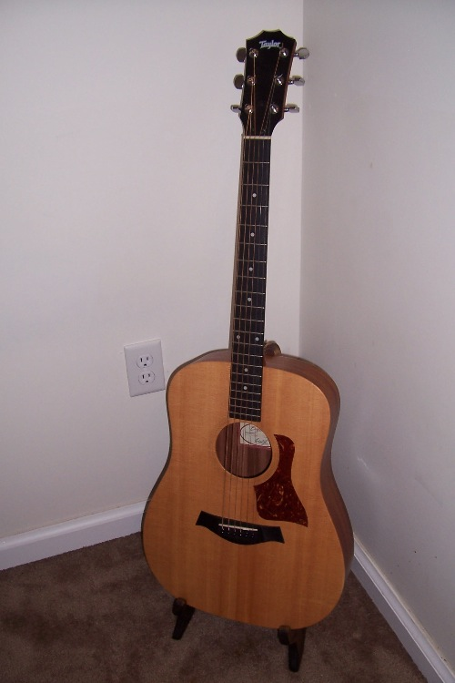 wood project ideas buy free wood guitar stand plans. Black Bedroom Furniture Sets. Home Design Ideas